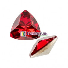 Kaleidoscope Triangle Fancy Stone SWAROVSKI 14x14,3mm Scarlet /4799/